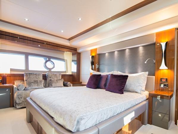 Master cabin of the Sunseeker 28 Metre Yacht ICHIBAN