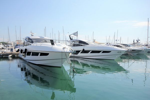 The France Group is at full speed with the two brand new Predator 57's already delivered to their owners and another two on the way.. / Plein régime pour Sunseeker France Group avec deux Predator 57' tout neufs à livrer à ses propriétaires et deux autres à venir!