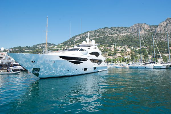 Sunseeker 131 Yacht Jacozami in Beaulieu-sur-Mer marina