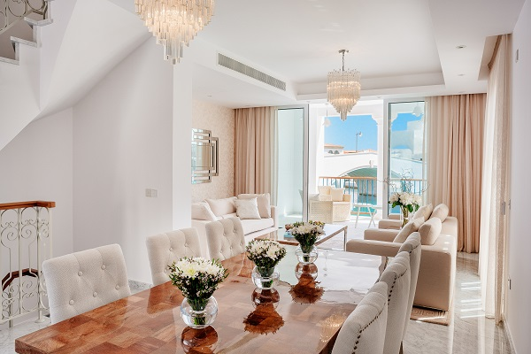 The beautiful living space of Peninsular Villa 31