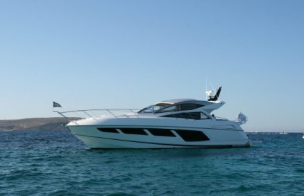 Sunseeker Predator 57 arriving at Baia Beach Club