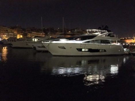 86 Yacht SAM K by night