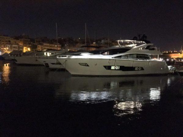 86 Yacht SAM K by night