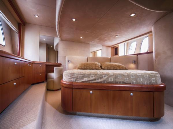 'FUNSEEKER' has a stylish cherry satin interior