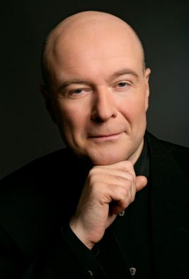 Pianist Ivari Ilja will accompany Dmitri Hvorostovsky in the recital
