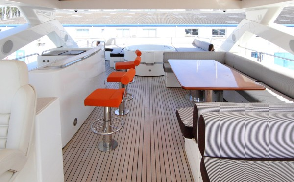 'SIMPLE PLEASURE' has a fun but classy exterior, including a Jacuzzi