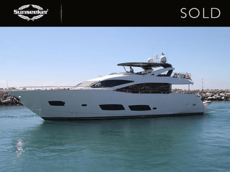 The Sunseeker 28M 'THIS TIME NEXT YEAR' was sold by cooperation between Sunseeker Portugal and Sunseeker London from the Sunseeker London Group