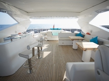 ELYSIUM has an onboard Jacuzzi on her flybridge