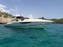 Superhawk 43 sold by Sunseeker Mallorca cooperation with Sunseeker France La Napoule