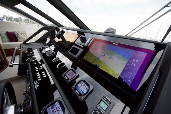 'HARD 8' has Simrad Premium navigation system with large twin screen plotters to both helms