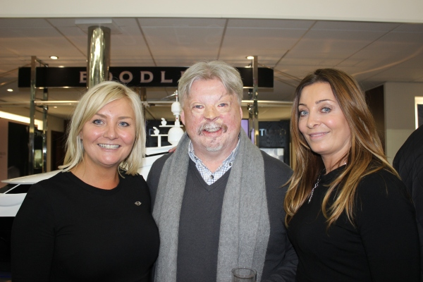 Sunseeker France Group's Lindsay Hutchingson with War Veteran Simon Weston and Victoria Gerlis of PAH Breast Cancer Trials