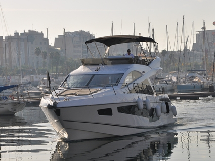 'HAKUNA MATATA' is a perfect example of a pre-owned Sunseeker Manhattan 55
