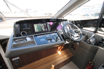 The helm area of the Sunseeker Manhattan 52