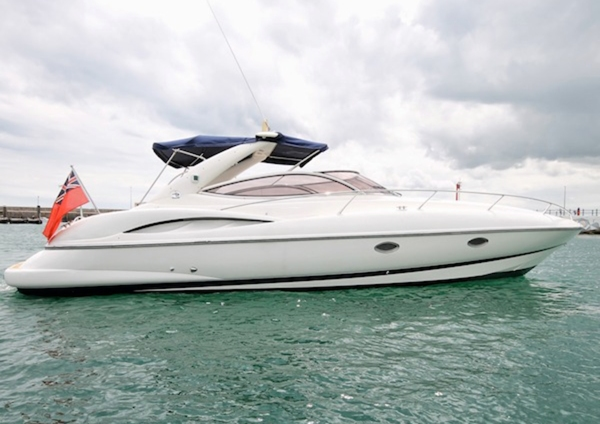 The sparkling white 34 Superhawk 'TOFINO'